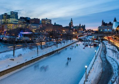 Skating-on-the-Rideau-Canal-at-night-winter
